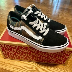 Brand New Boys Vans Old Skool Camo Shoes Size 5